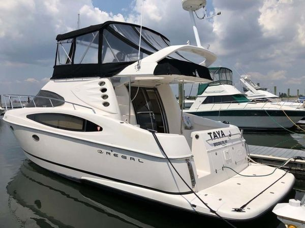 Used Regal Commodore 3880 Flybridge Boat For Sale