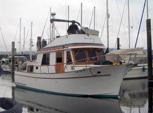 Used Chb 34 Motoryacht Flybridge Boat For Sale