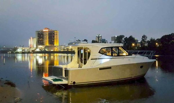 Used Silverton 33 Sport Coupe Sports Cruiser Boat For Sale