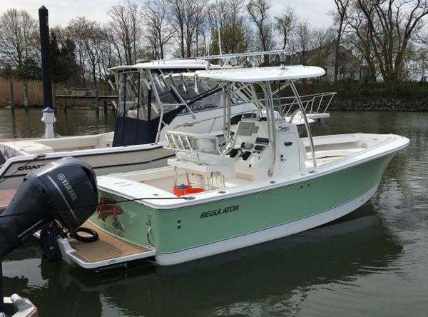 Used Regulator 23 Forward Seating Saltwater Fishing Boat For Sale