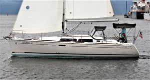 Used Beneteau Oceanis Racer and Cruiser Sailboat For Sale