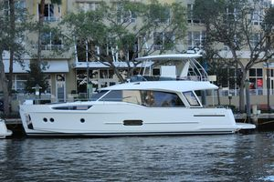 New Greenline 48 Hybrid Motor Yacht For Sale