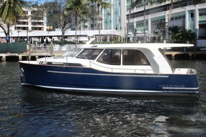 New Greenline 33 Hybrid Motor Yacht For Sale