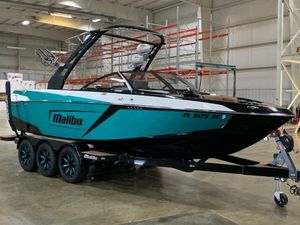 Used Malibu Wakesetter 23 LSV Cruiser Boat For Sale