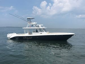 Used Everglades 435CC Center Console Fishing Boat For Sale