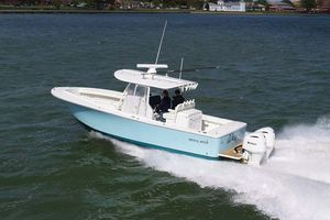Used Regulator 31 Center Console Center Console Fishing Boat For Sale