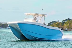 Used Hysucat 30 CC Sportfisher Center Console Fishing Boat For Sale