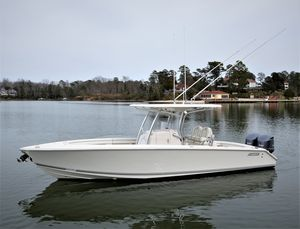 Used Jupiter 30 Hybrid Forward Seating Center Console Fishing Boat For Sale