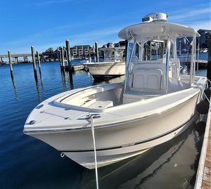 Used Regulator 23FS Center Console Center Console Fishing Boat For Sale