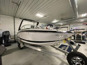 New Chaparral 230 Suncoast Bowrider Boat For Sale