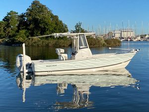 New Regulator 24XO Bay Boat For Sale