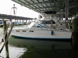 Used Magnum Marine 35 Maltese Sports Fishing Boat For Sale