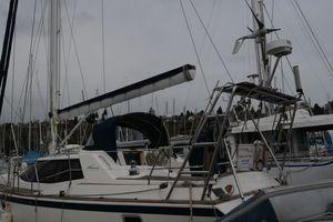 Used Wauquiez 43 Pilot Saloon Sloop Sailboat For Sale