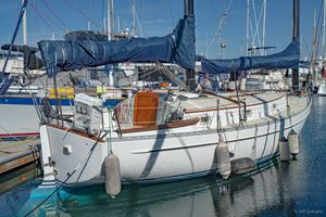 Used Freedom 33 Cat Ketch Sailboat For Sale