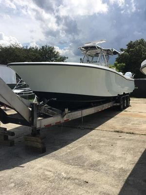 Used Invincible Open Center Console Saltwater Fishing Boat For Sale