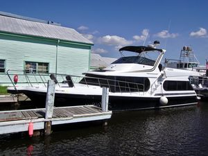Used Bluewater Yachts 46 Coastal Cruiser House Boat For Sale