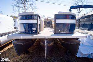 New Crest Classic DLX 220 SLC Pontoon Boat For Sale