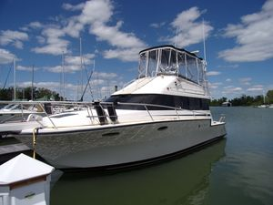 Used Luhrs 3400 Motor Yacht For Sale