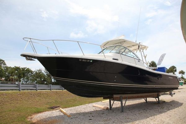 Used Pursuit 3070 Offshore Express Cruiser Boat For Sale