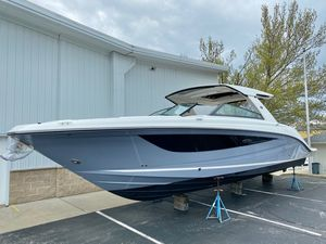 New Sea Ray SLX 400 Ski and Wakeboard Boat For Sale