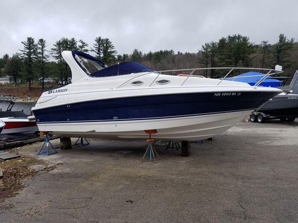 Used Larson Cabrio 260 Express Cruiser Boat For Sale