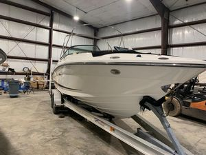 Used Sea Ray 250 SLX Power Cruiser Boat For Sale