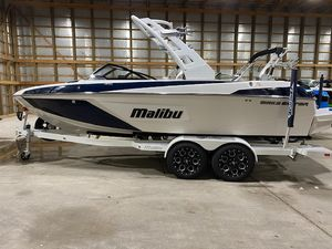 Used Malibu Wakesetter 22 LSV Ski and Wakeboard Boat For Sale