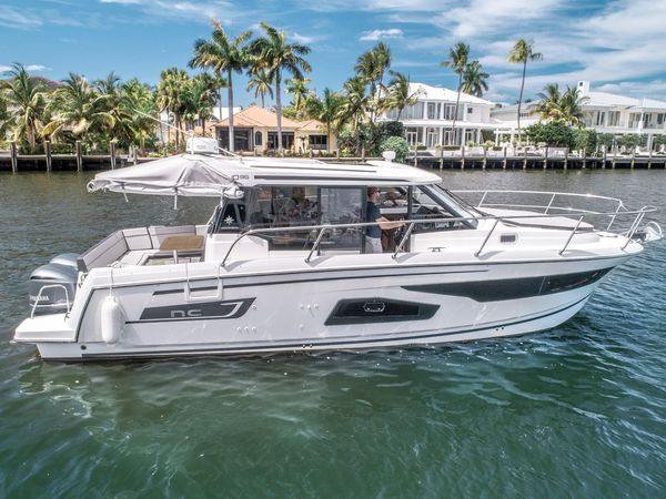 Used Jeanneau NC 1095 Power Cruiser Boat For Sale
