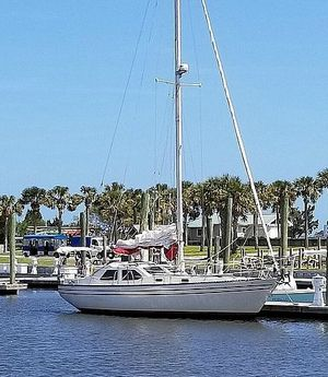 Used U.s. Yacht 35 Motorsailer Sailboat For Sale