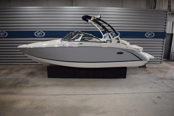 New Cobalt R3 Bowrider Boat For Sale