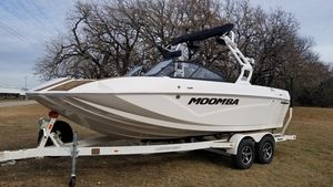 New Moomba Kaiyen Ski and Wakeboard Boat For Sale