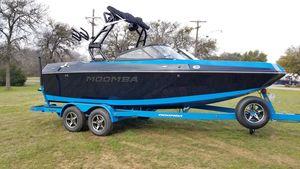 New Moomba Helix Ski and Wakeboard Boat For Sale