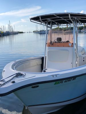 Used Seaswirl Striper 2101 Center Console O/B Saltwater Fishing Boat For Sale