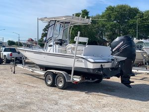 Used Boston Whaler 220 Dauntless Saltwater Fishing Boat For Sale