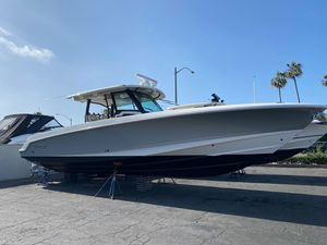 New Boston Whaler 380 Outrage Center Console Fishing Boat For Sale