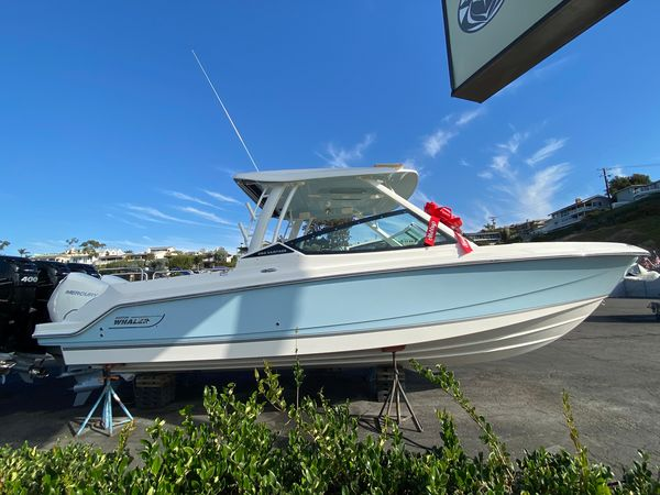 New Boston Whaler 280 Vantage Runabout Boat For Sale