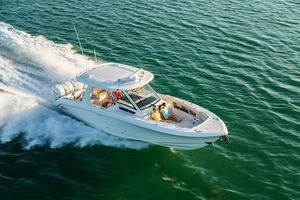 New Boston Whaler 350 Realm Walkaround Fishing Boat For Sale