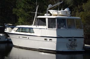 Used Hatteras 43 Double Cabin Motor Yacht For Sale