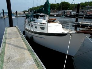 Used Pacific Seacraft DANA 24 Cruiser Sailboat For Sale