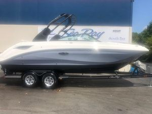 New Sea Ray SDX 250 Deck Boat For Sale