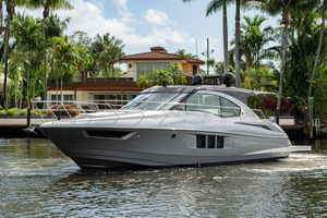 Used Cruisers Yachts 45 Cantius Express Cruiser Boat For Sale