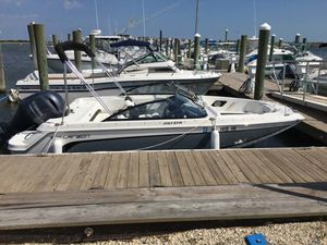 Used Larson LXH 190 Bowrider Boat For Sale