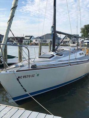 Used J Boats J30 Racer and Cruiser Sailboat For Sale