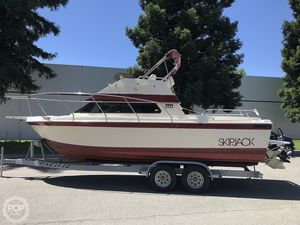 Used Skipjack 25 Flybridge Sports Fishing Boat For Sale