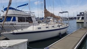 Used Ericson Yachts 35-3 Racer and Cruiser Sailboat For Sale