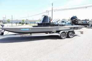 Used Fat Cat CB-25 Center Console Fishing Boat For Sale