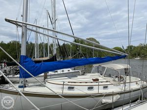 Used Hinterhoeller Nonsuch 30 Racer and Cruiser Sailboat For Sale