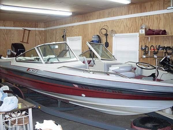 Used Stratos 290 SF Bass Boat For Sale
