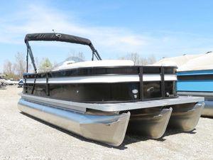 New Crest II 220 L Pontoon Boat For Sale