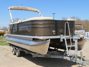 New Crest I 220 SLC Pontoon Boat For Sale